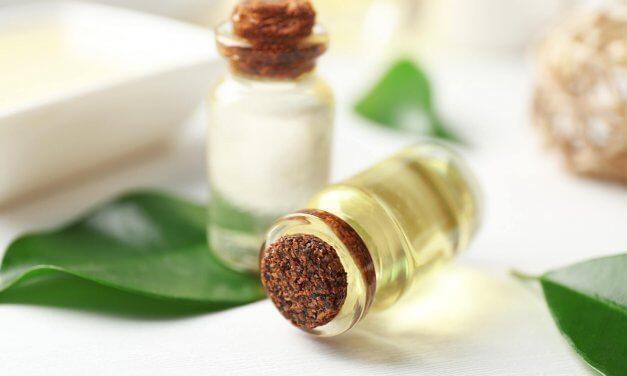 Teebaumöl hilft in vielen Fällen